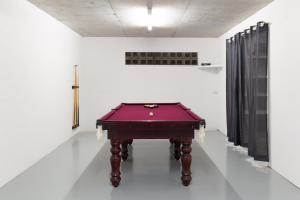 A pool table at Sunset Villa in Surfers