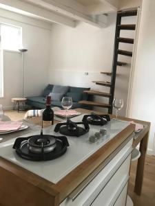 A kitchen or kitchenette at Mooi Genieten