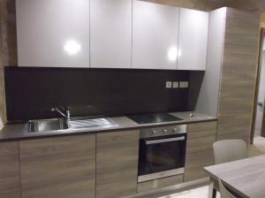 A kitchen or kitchenette at Kalkara Studio