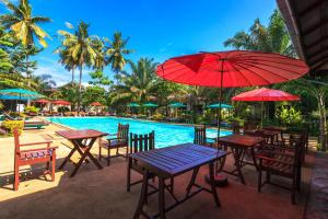 A restaurant or other place to eat at Lanta Klong Nin Beach Resort