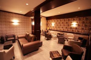 El salón o zona de bar de Hotel Pyrénées