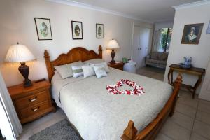 A bed or beds in a room at Nivalis Bed And Breakfast