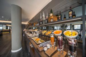 A restaurant or other place to eat at Hotel Spinale