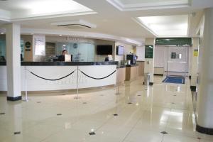 O saguão ou recepção de Jandaia Turismo Hotel