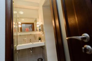 A bathroom at M&M Aparthotel