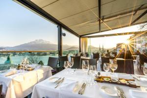 مطعم أو مكان آخر لتناول الطعام في فندق بنتهاوس باي آرت ديكو مونتانا