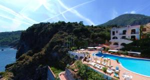 A view of the pool at Hotel Carasco or nearby