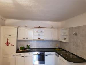 Küche/Küchenzeile in der Unterkunft Hotel Domke Haus an der See