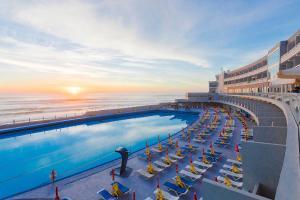 A piscina em ou perto de Arribas Sintra Hotel