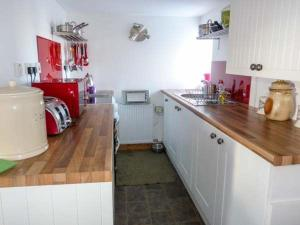 A kitchen or kitchenette at Braevaal