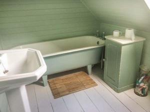 A bathroom at 25 Crovie Village