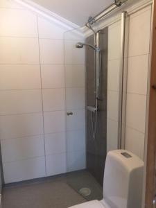 A bathroom at Lammsjon Relax