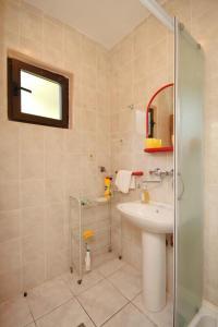 Kúpeľňa v ubytovaní Apartment Zaklopatica 8325a