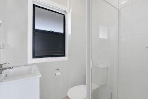 A bathroom at Ashley Court 7