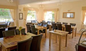 A restaurant or other place to eat at Pyle & Kenfig Golf Club Dormy House