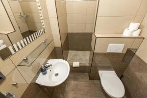 Łazienka w obiekcie Rezidence Davids Apartments