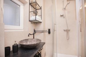 A bathroom at Apartments Nove Crkve