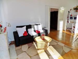 A seating area at Riviera home - Verdun Vue Mer