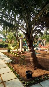 Ein Garten an der Unterkunft The Yuppi Hippi Hideout