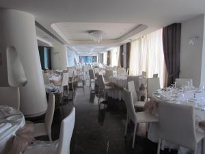 Ресторан / где поесть в Main Palace Hotel