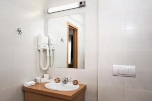A bathroom at Hotel Palma