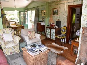 A seating area at Banksia Cottage