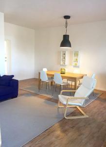 A seating area at Casa Vento dello Stagnone