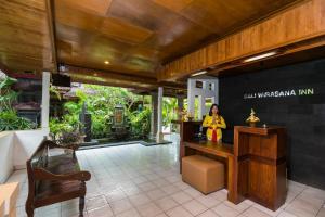 The lobby or reception area at Bali Wirasana Inn