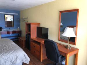 A television and/or entertainment center at Gold Key Inn