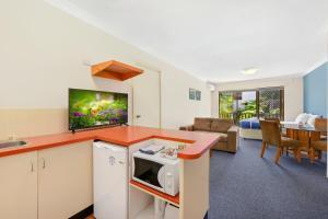 A kitchen or kitchenette at Port Macquarie Seychelles
