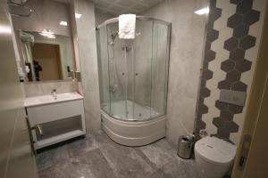 A bathroom at Ankara Gold Hotel