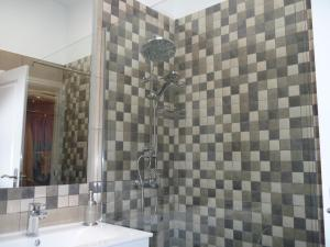 A bathroom at Lovely Bungalow