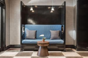 A seating area at Park West Hotel