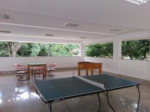 Ping-pong facilities at Apartamento L'Acqua or nearby