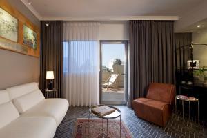 Гостиная зона в The Rothschild Hotel - Tel Aviv's Finest
