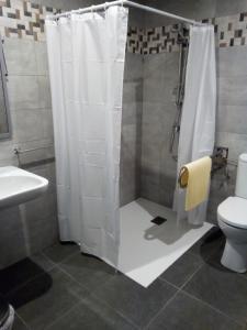 Un baño de Albergue Miguelin