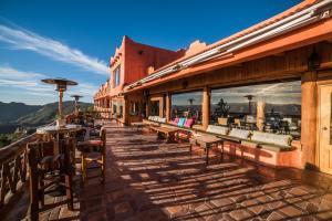 A restaurant or other place to eat at Hotel Mirador Posada Barranca