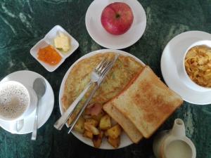 Завтрак для гостей Green Tara Hotel