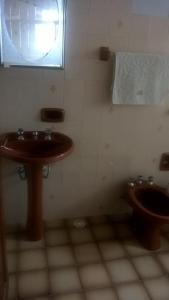 A bathroom at Casa da Belô