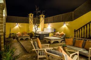 A seating area at Riad Chbanate
