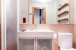 Un baño de Cozy Sunny in Madrid Center