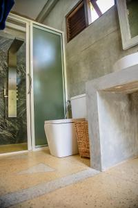 A bathroom at Morning Star