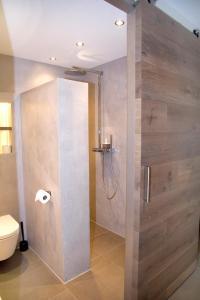 A bathroom at Studio-Vrij