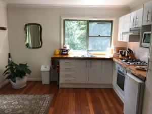 A kitchen or kitchenette at Ghost Hill Road
