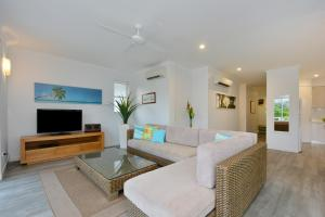 A seating area at On The Beach 321 - Port Douglas