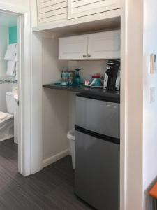 A kitchen or kitchenette at Nobleton Hotel