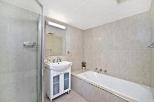 A bathroom at Sundial 503 8-10 Hollingworth Street