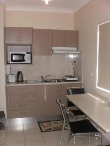 A kitchen or kitchenette at Molika Springs Motel