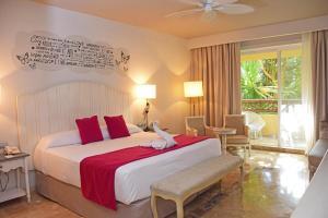 Кровать или кровати в номере Catalonia Riviera Maya Resort & Spa - Все включено