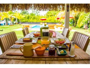 Breakfast options available to guests at Arganama Guesthouse